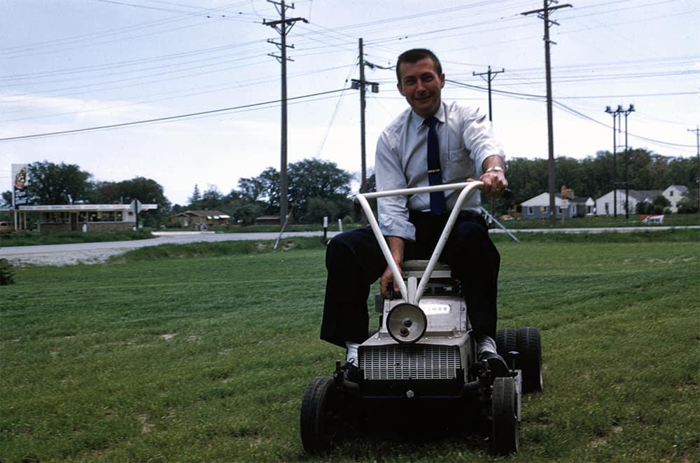 ridingmower-small.jpg