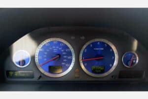 2002-2004 Volvo Instrument Cluster with blue gauges