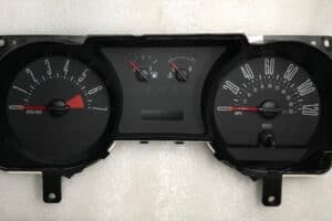 2005_2009_Ford_Mustang_cluster