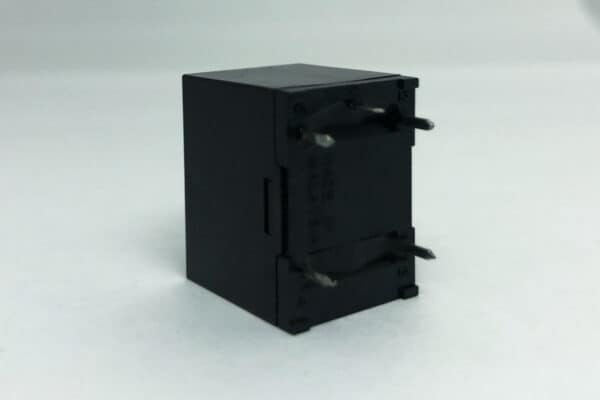 side view of Omron G5LE – Ford LCM, Light Control Module Relay