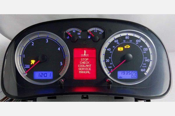 powered on view of the 1999-2005 Volkswagen Jetta, Golf, Bora Instrument Cluster